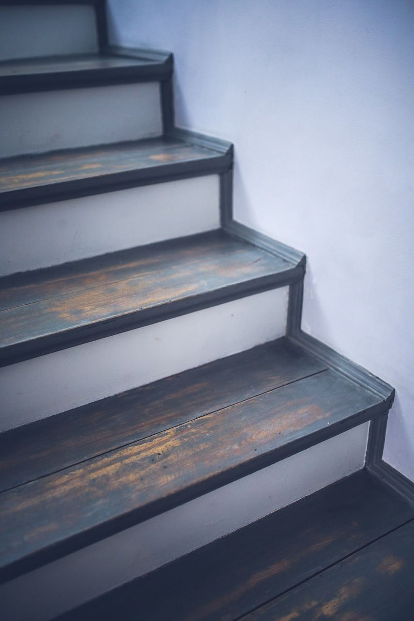 Gulvafslibning i Solrød er også til trapper